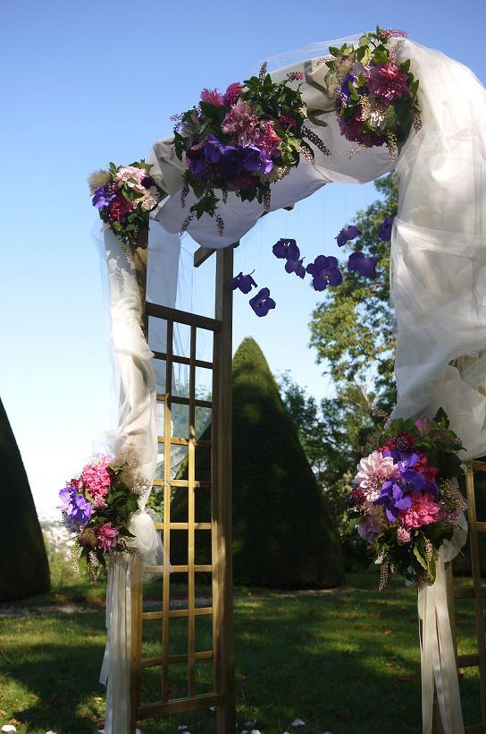 composition florale mariage au chateau de voisin louvecienne akiko usami. Black Bedroom Furniture Sets. Home Design Ideas