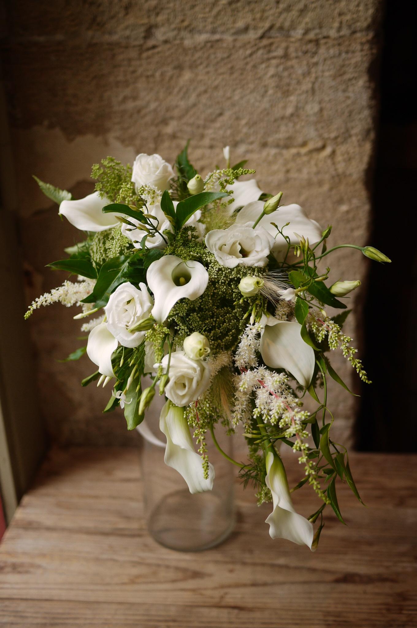 arums, jasmin, lisianthus