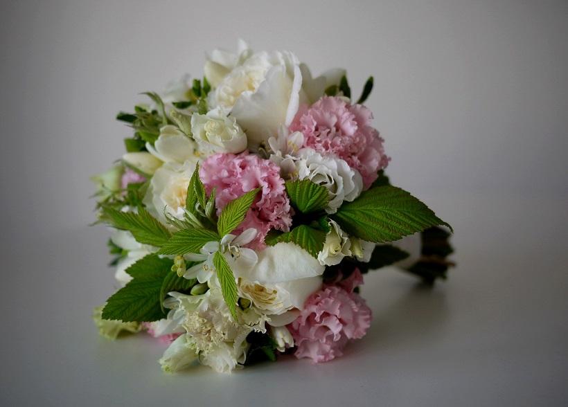 rose, lisianthus, freesia, framboisier,