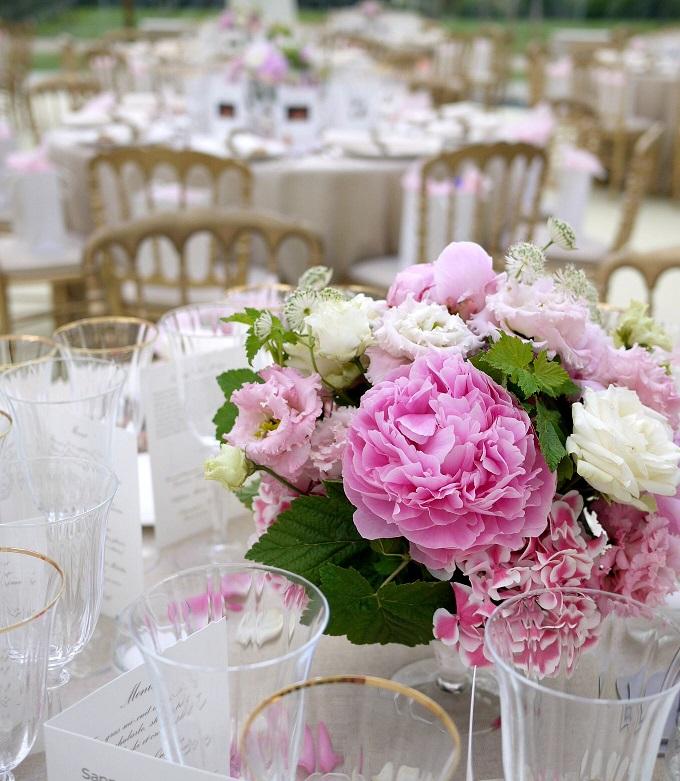 pivoine, rose, hortensia, lisianthus, astrantia,
